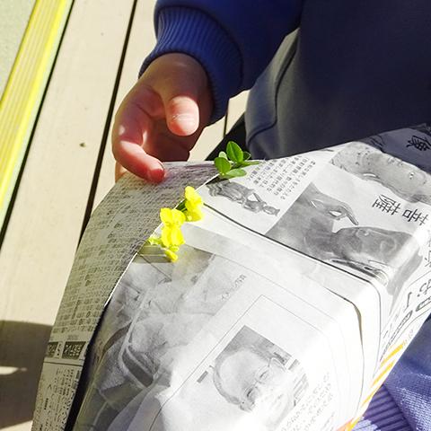 img_160315_07_黄色い花を飾る1