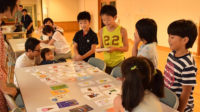IMG_160828_浜松多世代_絵カードで遊ぶs